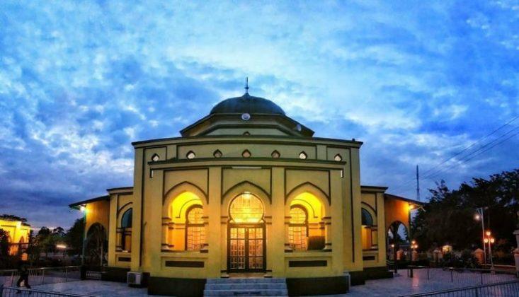 Masjid Syahbuddin atau sering juga disebut Masjid Sultan Lokasi : Kota Siak Sri Indrapura, Kabupaten Siak, Riau